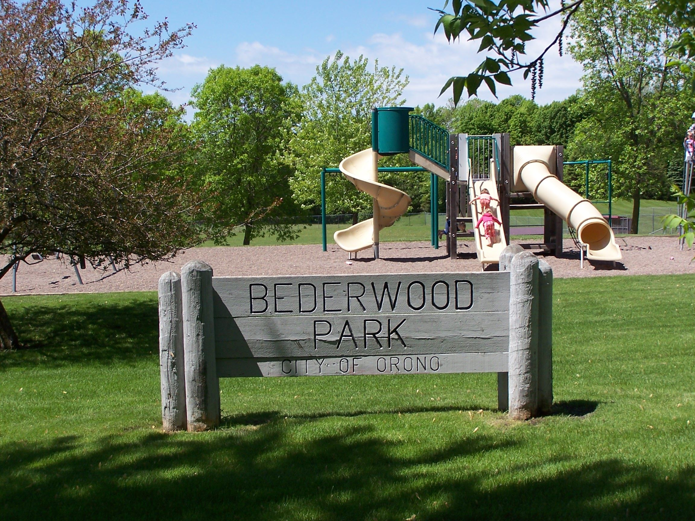 Bederwood Park sign and playground
